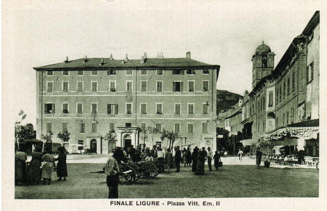 Bancarelle in piazza